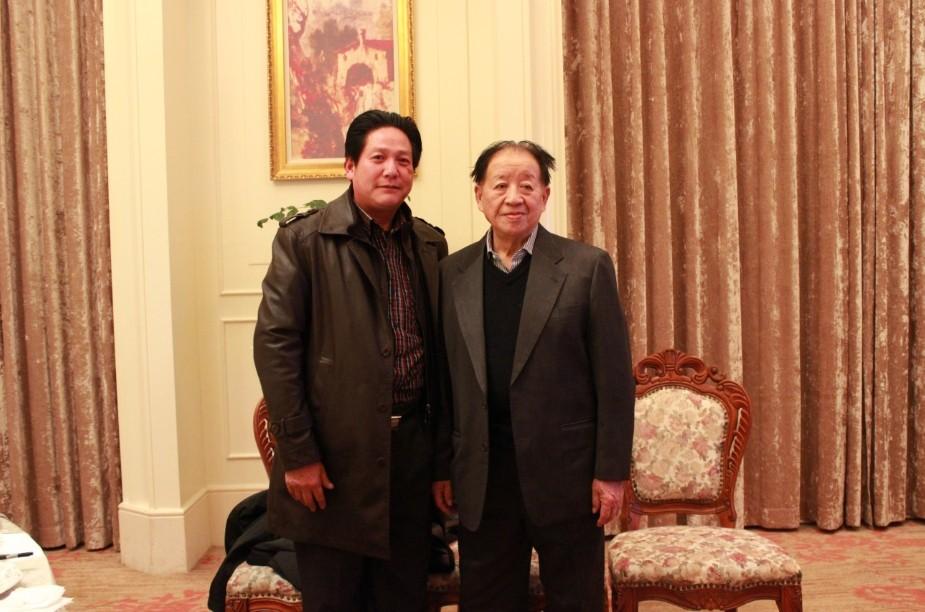 劉杰與胡耀邦警衛秘書李漢平合影